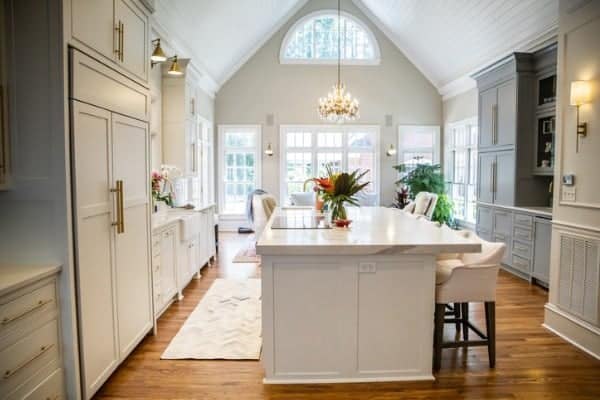 All about cathedral ceilings: ideas, inspiration and the latest trends
