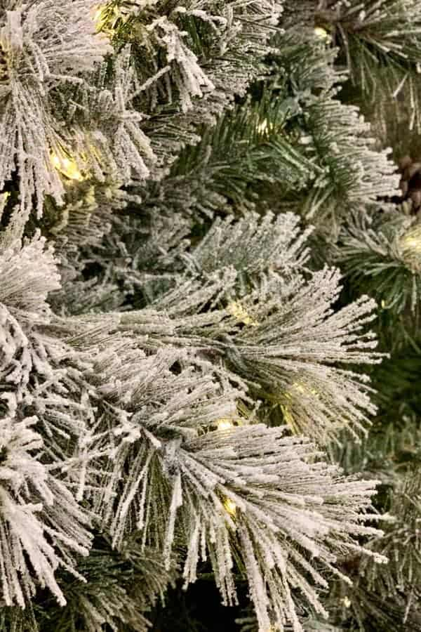 The best flocked Christmas trees