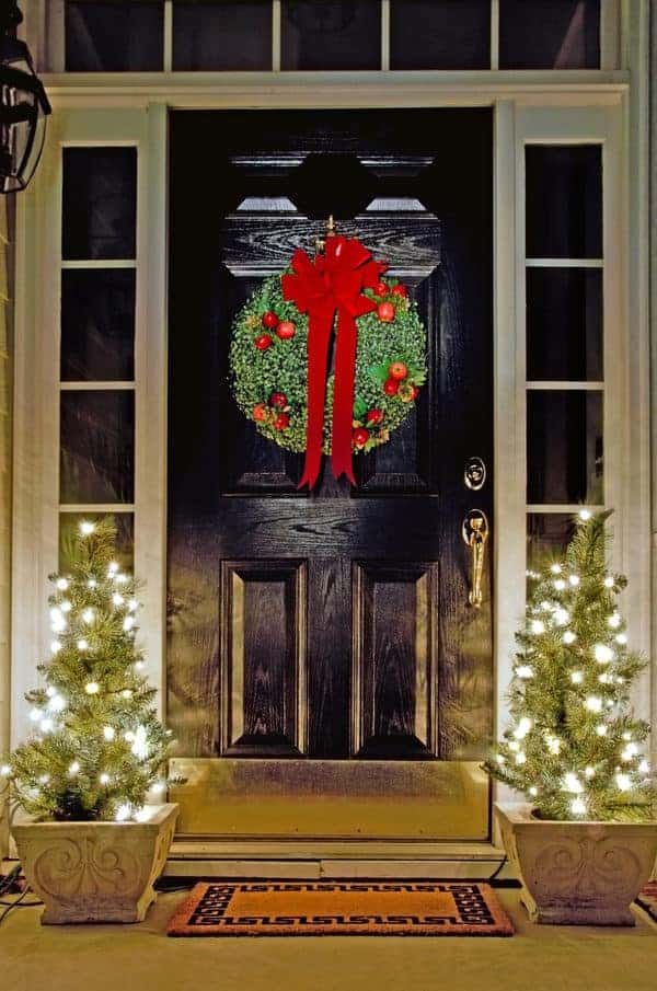 10 Christmas front porch decorating ideas we can't get enough of