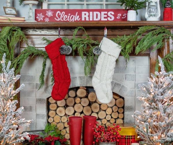 10 beautiful Christmas mantel decor ideas